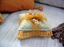 Aroma-Therapy Candle Pillow Pads Gold Green